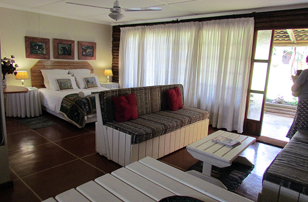 dlinza forest, accommodation, self catering, log cabin, huts, eshowe, zululand, family accommodation, kwazulu-natal